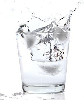 A szénsavas víz közre játszhat az elhízásban